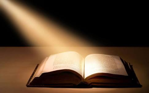 Vision Of Glowing Bible On The Pulpit – 6659 of 7000